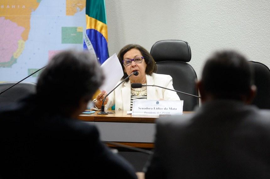 Senadora Lídice da Mata é a presidente da CPI do Assassinato de Jovens