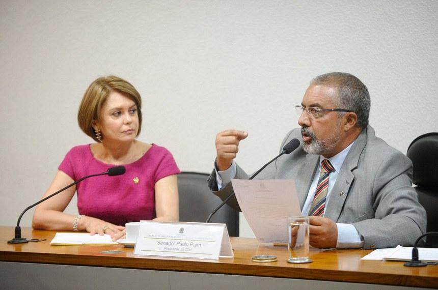 Paulo Paim (com a senadora Angela Portela) foi relator do PLS 287/2013, elaborado pela própria CDH