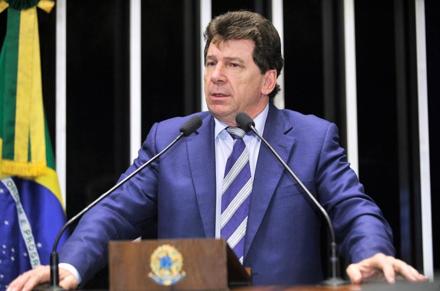 Ivo Cassol vem criticando a suspensão da entrega do medicamento a pacientes interessados no tratamento, até o registro das pesquisas junto Anvisa