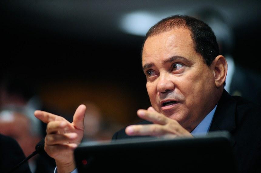Relator, senador Vicentinho Alves optou pelos percentuais de 40%, 20% e 10% sobre o salário do empregado, conforme o grau de insalubridade aferido