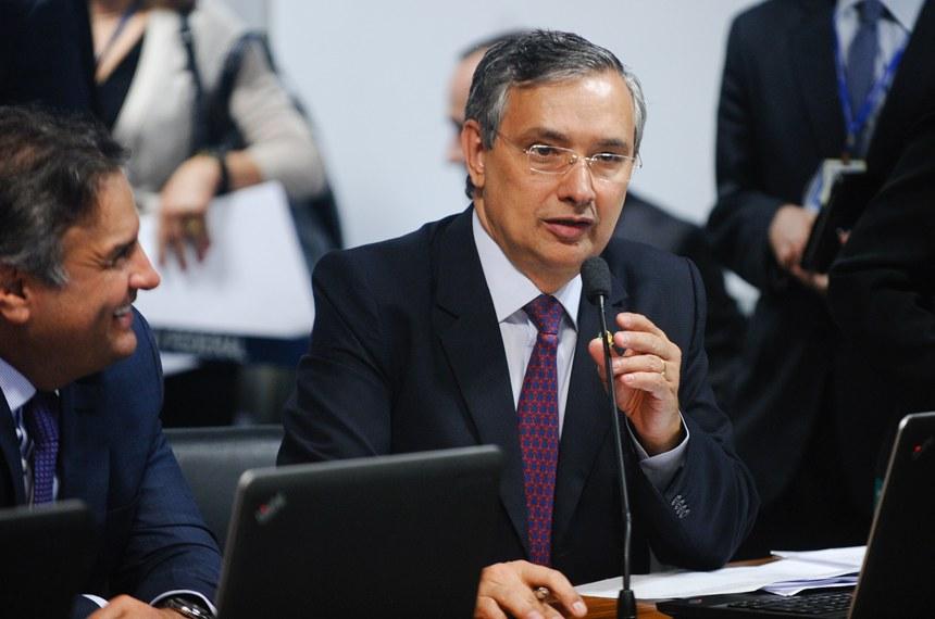 Eduardo Amorim é o autor do projeto aprovado pela CCJ