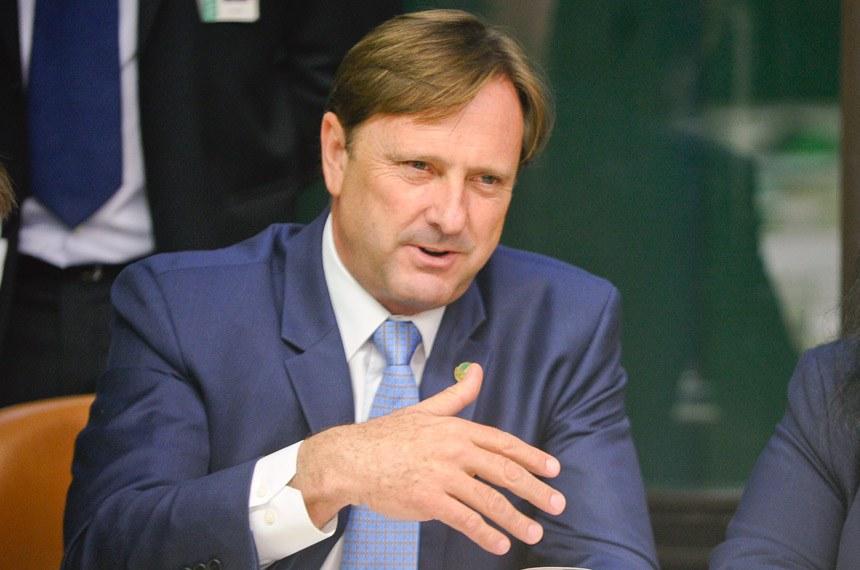 Relator da Receita, Acir Gurgacz não é obrigado a acolher os novos números propostos pelo governo