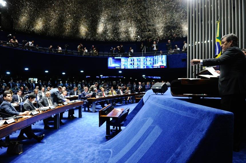 O líder do PSDB, Cássio Cunha Lima (PB), foi um dos que formulou questão de ordem pleiteando votação aberta
