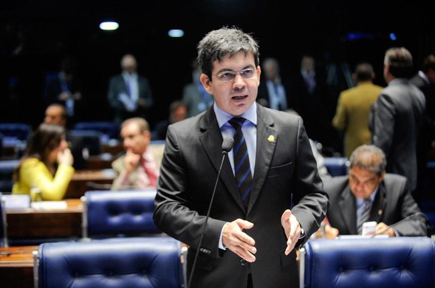 O senador Randolfe Rodrigues é co-autor do pedido de criação de uma CPMI para investigar as mortes por armas de fogo no Brasil
