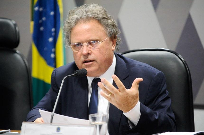 Blairo Maggi relatou o projeto na Comissão de Desenvolvimento Nacional