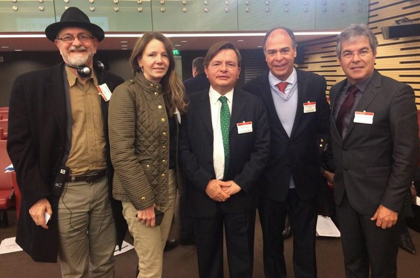 Senadores brasileiros durante a COP-21