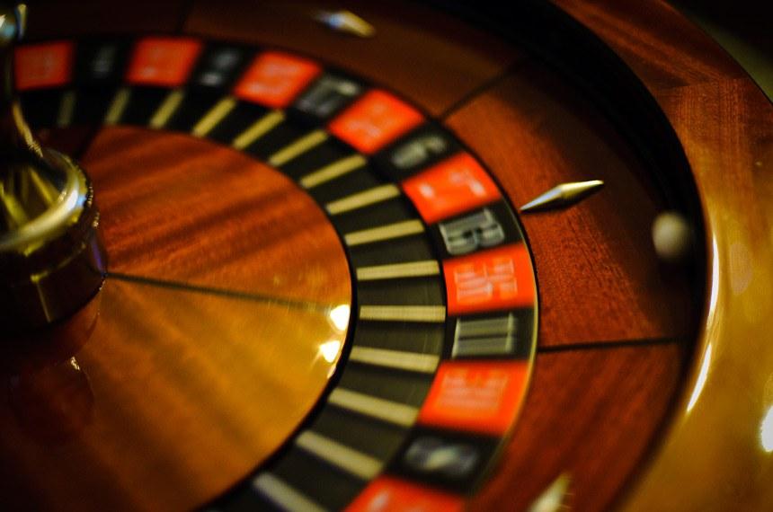 Projeto do senador Ciro Nogueira libera a exploração de cassinos, bingos, jogos eletrônicos e jogo do bicho no país
