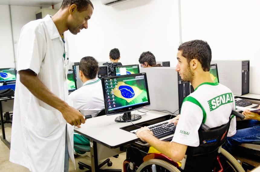 Entre os avanços garantidos pela Lei Brasileira de Inclusão está um sistema educacional inclusivo em todos os níveis e modalidades de ensino