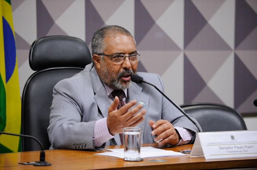 Paulo Paim também assinou o requerimento solicitando a discussão