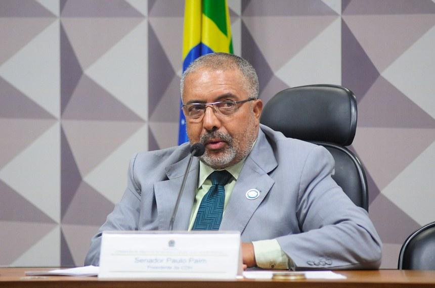O presidente da CDH, senador Paulo Paim, fez um balanço das atividades da comissão em 2015