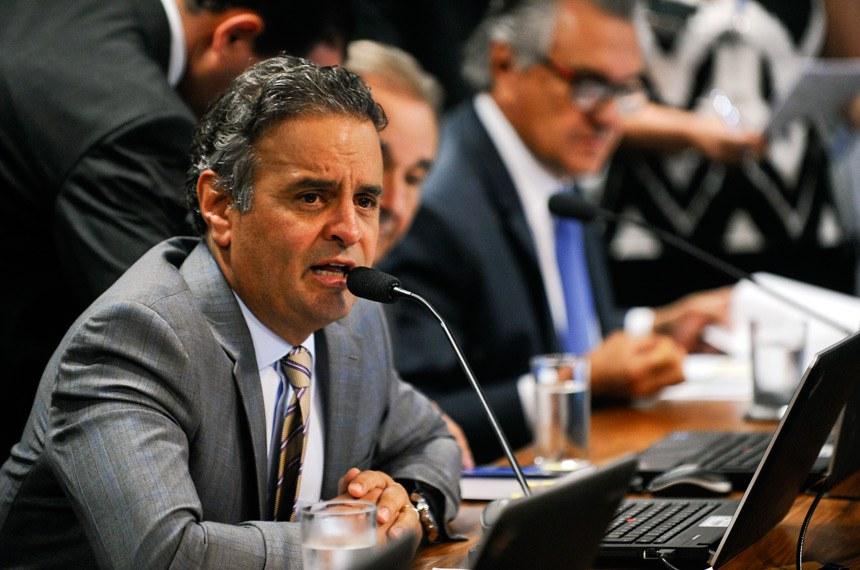 Aécio Neves apresentou parecer pela aprovação do projeto apresentado por Paulo Bauer
