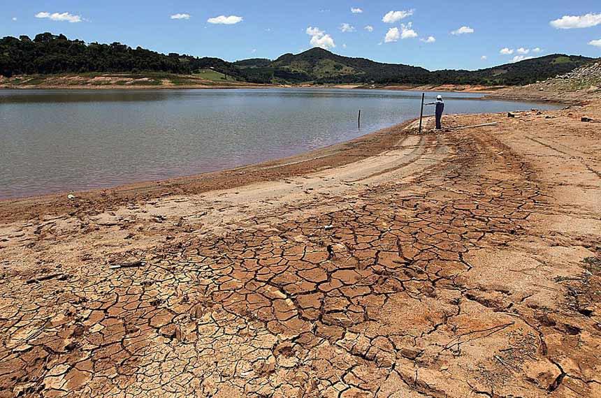 A seca nos reservatórios de água que abastecem as cidades motivou a apresentação do projeto