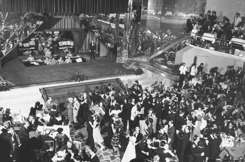 Interior do Cassino da Urca (RJ), em 1941