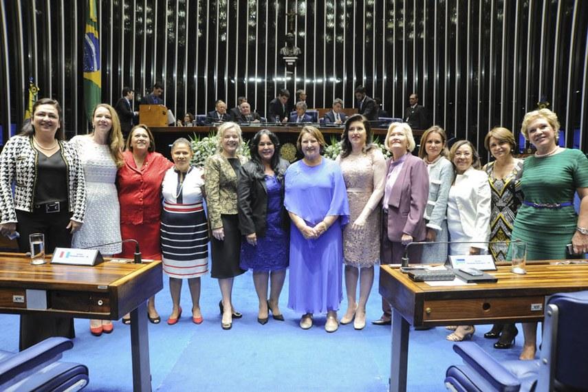 Senadoras no início da atual legislatura