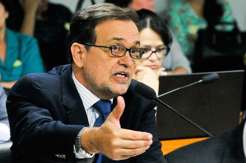 Walter Pinheiro foi relator do substitutivo ao projeto aprovado na comissão