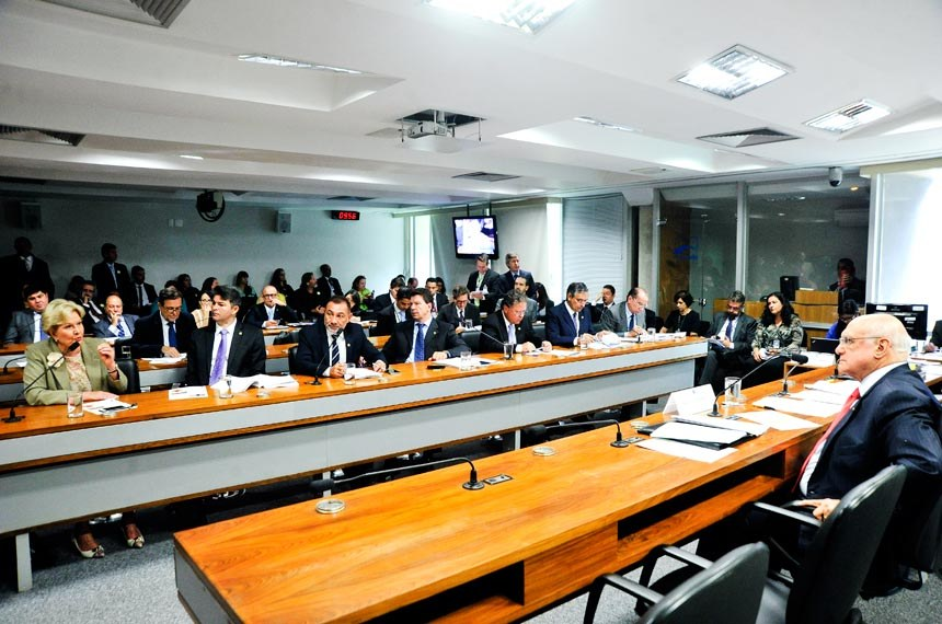 O projeto foi apresentado pela senadora Ana Amélia e pelos senadores Waldemir Moka e Walter Pinheiro
