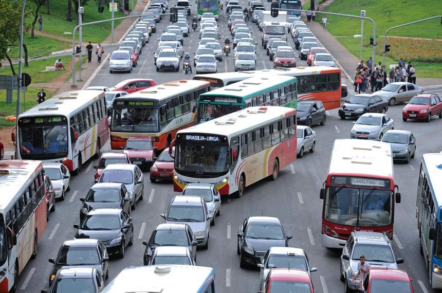 Para que o Brasil se torne um país de alta mobilidade, avalia pesquisador, é preciso mudar conceitos como a prioridade dada pelos governos ao transporte público rodoviário, predominante em cidades como Brasília