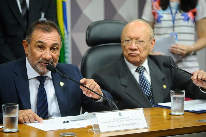 Telmário Mota e João Alberto Souza, na reunião desta terça-feira (29)