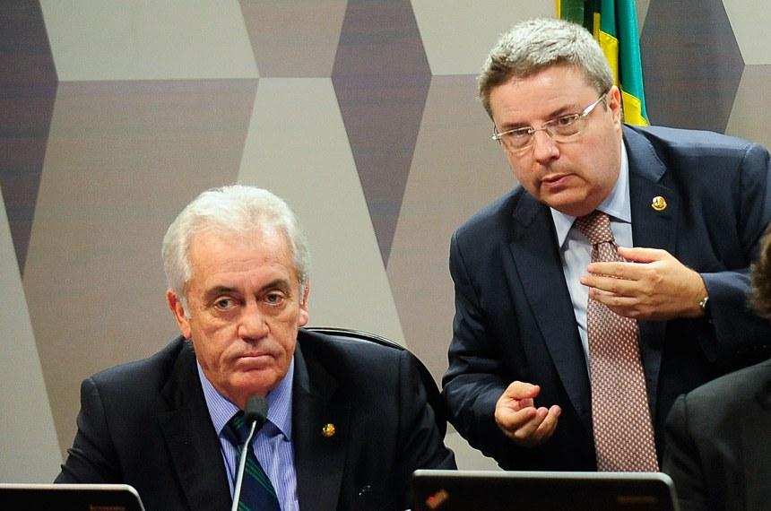 Senador Otto Alencar, autor do projeto, e o relator, Antonio Anastasia