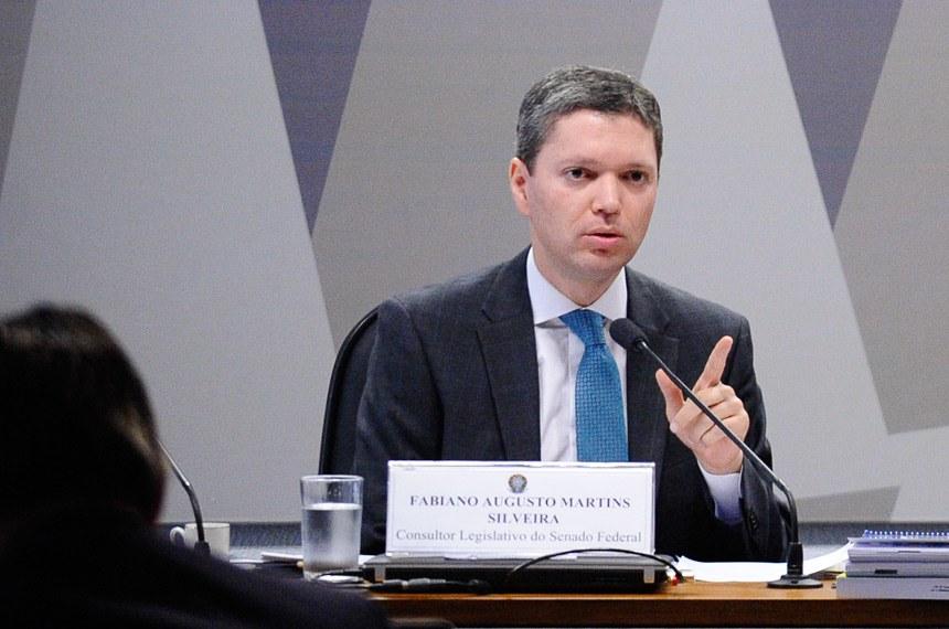 Fabiano Silveira, ministro da Transparência, na  Comissão de Constituição e Justiça do Senado, em 24 de junho de 2015, quando foi sabatinado para recondução ao Conselho Nacional e Justiça