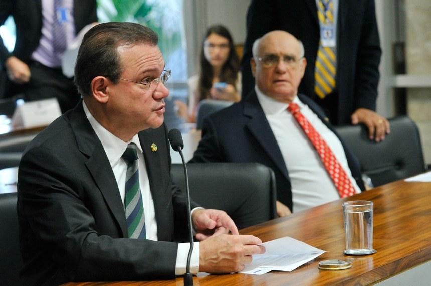 O senador Wellington Fagundes apresentou a solicitação para o debate