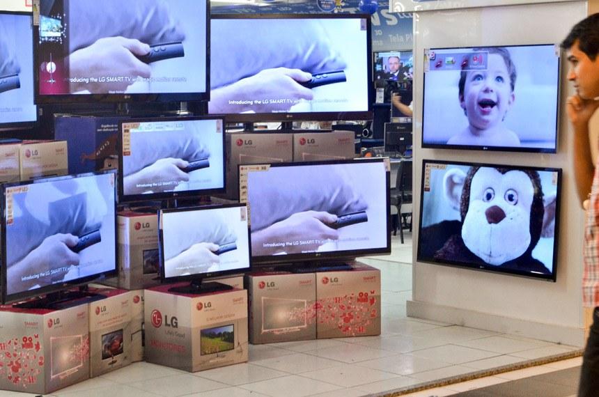 Consumidor terá de comprar um aparelho digital ou converter o antigo