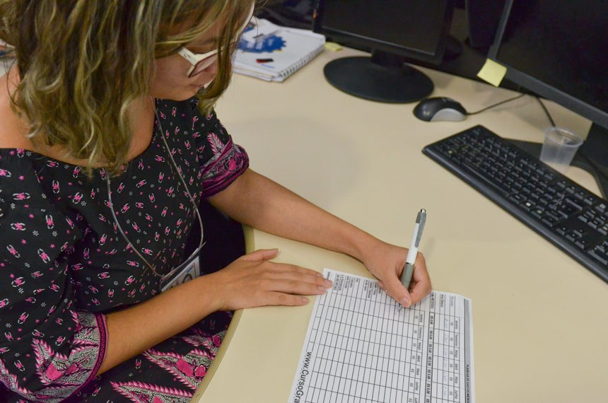 Crise econômica obriga famílias a trazerem o orçamento doméstico na ponta do lápis