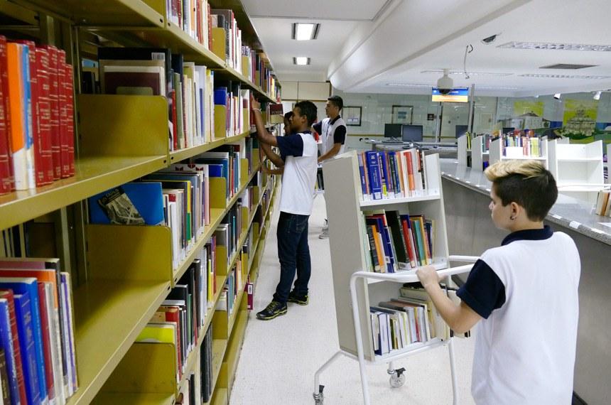 O acervo físico da Biblioteca do Senado vem sendo digitalizado desde 2006