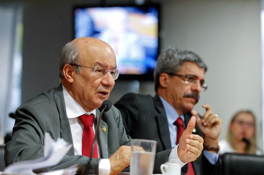 O líder do governo no Senado, senador José Pimentel (PT-CE), admitiu a dificuldade de firmar um acordo para votação