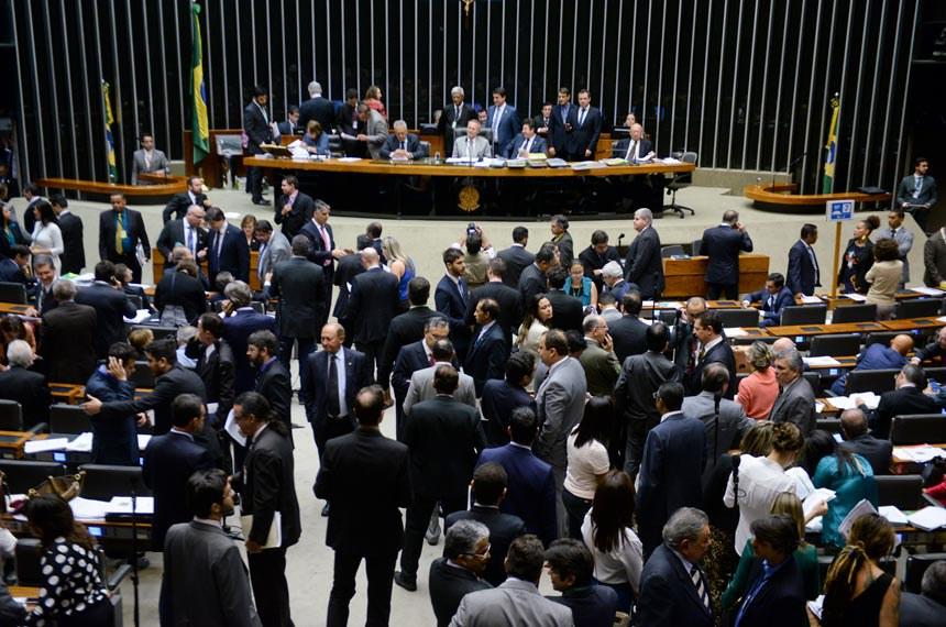 O Congresso Nacional promoveu a sessão que derrubou o veto na noite do último dia 24