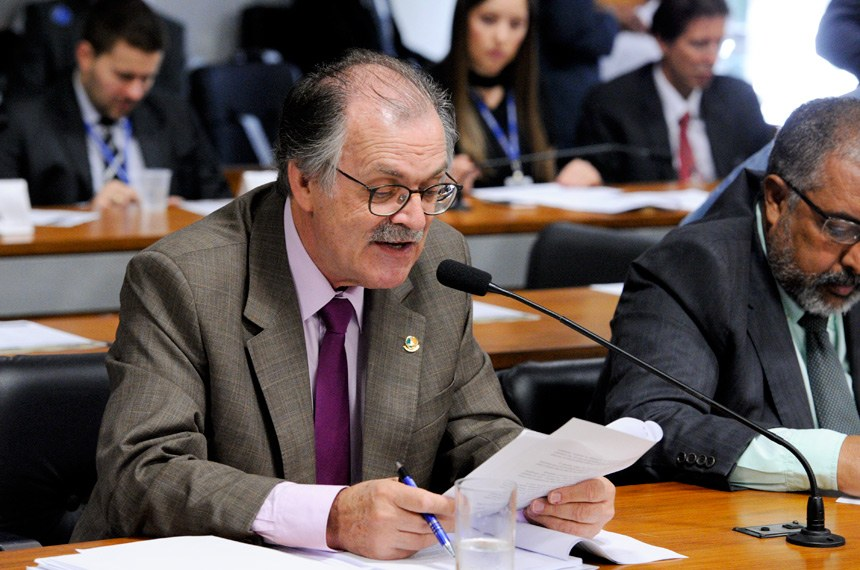 O senador Dalirio Beber (PSDB-SC) apresentou parecer contrário ao substitutivo