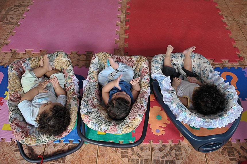 Bebês acolhidos pelo Lar da Criança Padre Cícero, instituição localizada em Brasília (DF)