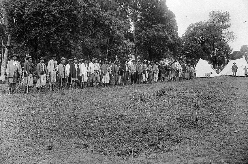 Milícia armada de um coronel em Canoinhas (SC), em 1914