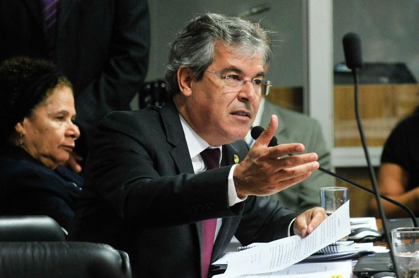 Jorge Viana (PT-AC) foi relator do projeto e apresentou emenda