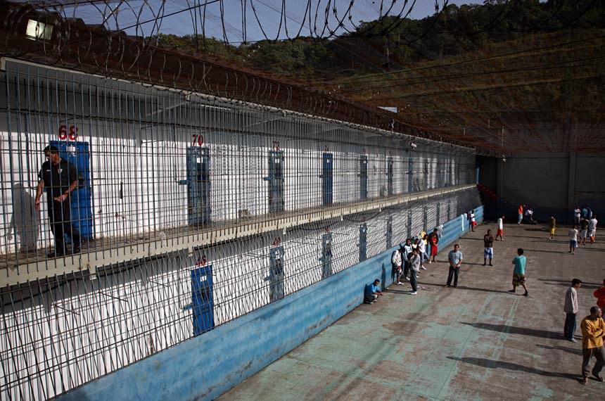 O projeto que regulamenta a prática das audiências de custódia (PLS 554/2011) é considerado por defensores dos direitos humanos uma forma de evitar prisões ilegais