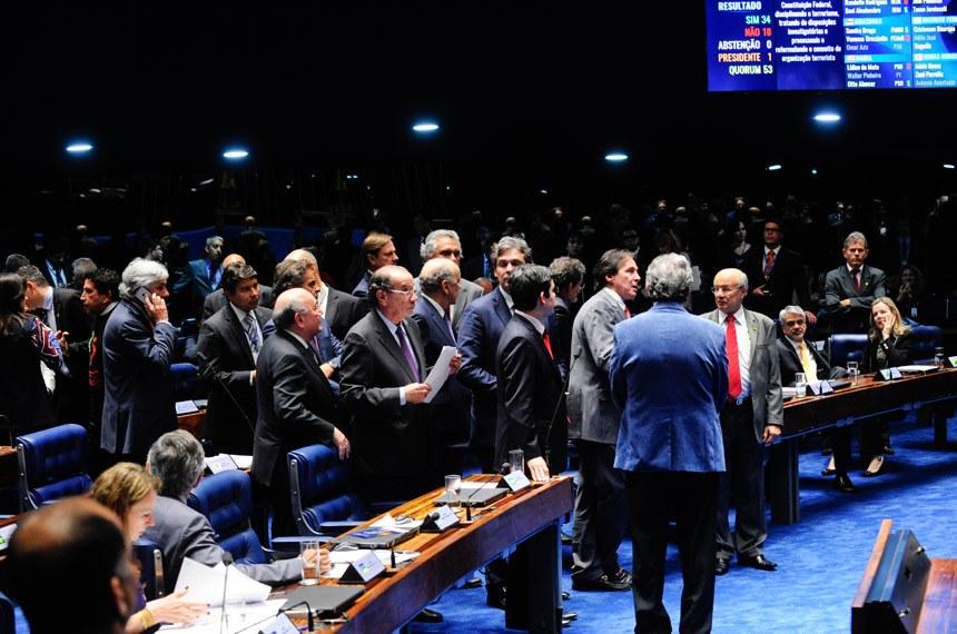 Sessão de votação do projeto antiterrorismo em 28 de agosto de 2015