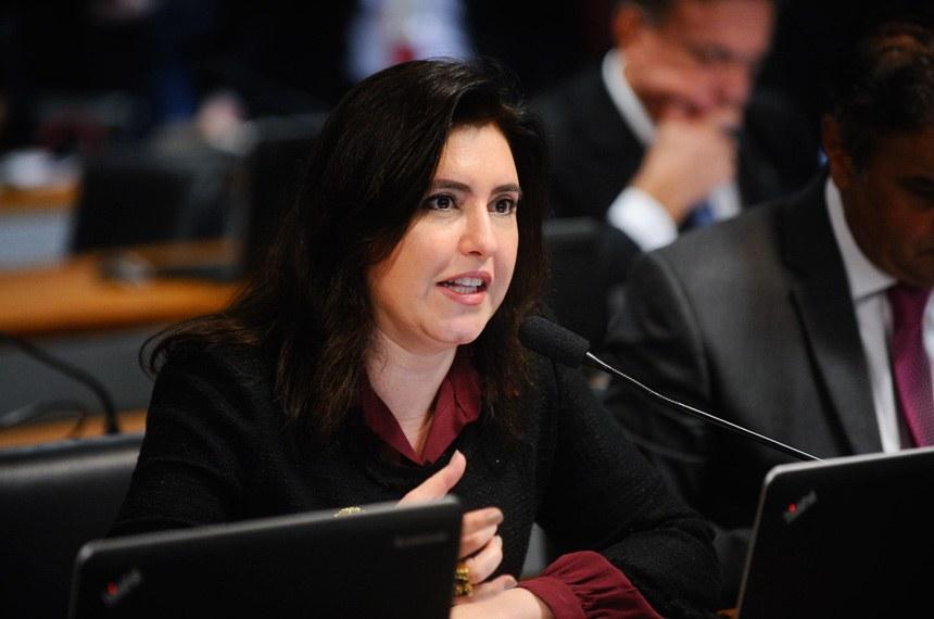 Simone Tebet, relatora, apresentou emenda para eliminar a exigência de identificação do paciente ou de seu responsável legal pelo número do RG