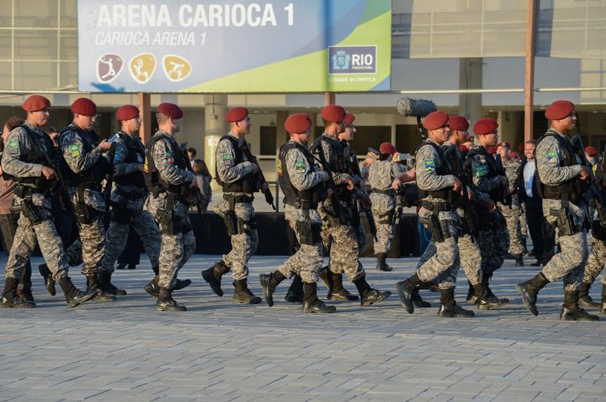 Ação militar no Rio: a lei foi aprovada em regime de urgência para permitir o combate ao terrorismo durante os Jogos