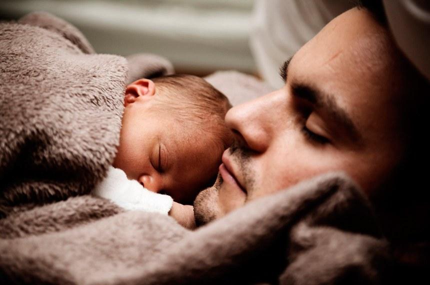 Projetos sociais, como licença-paternidade de 20 dias, sobressaem na Casa