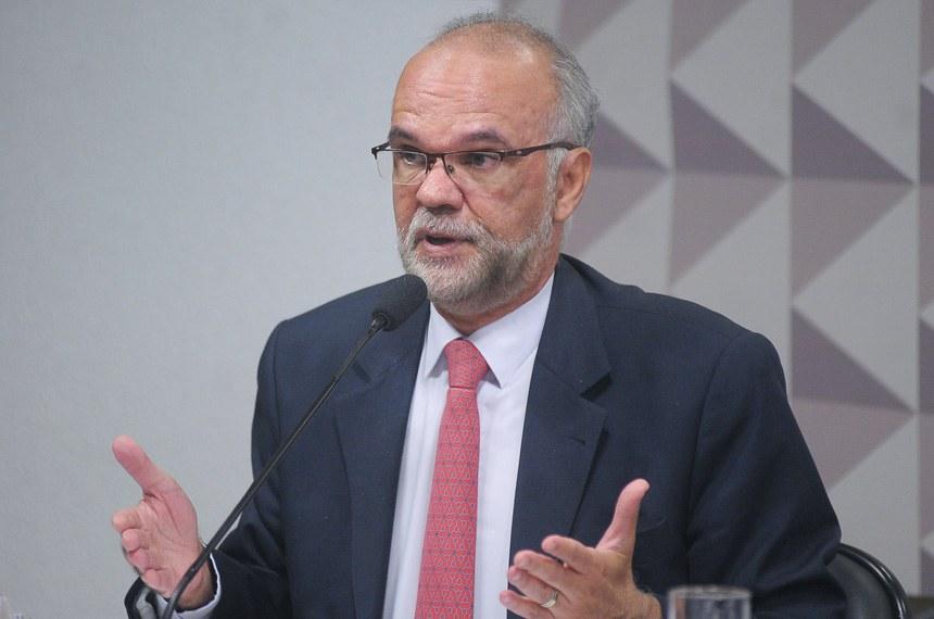 Primeira testemunha da defesa, Luiz Cláudio Costa foi secretário executivo do Ministério da Educação no governo Dilma