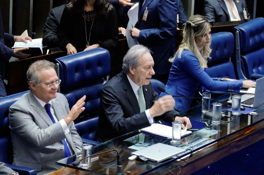 Renan Calheiros tem buscado posição isenta no processo de impeachment