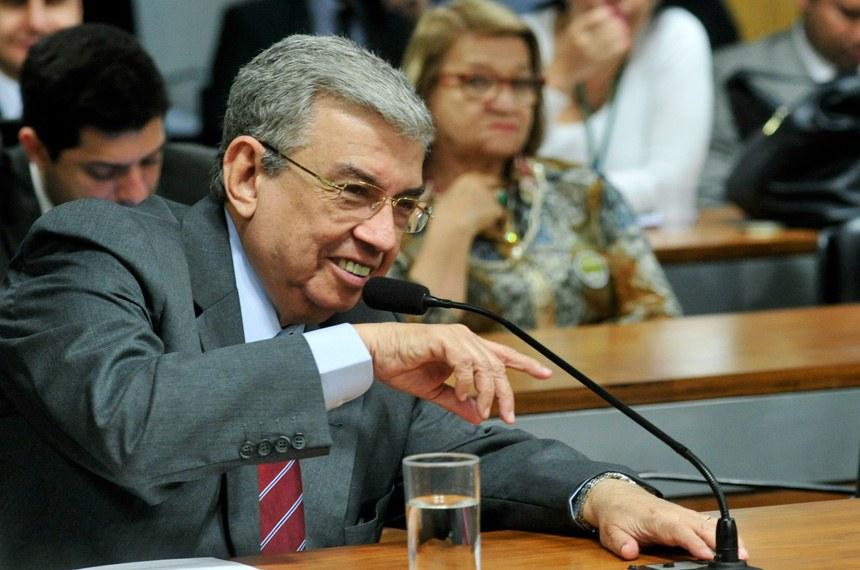 O senador Garibaldi Alves Filho (PMDB-RN) quer discutir o tema