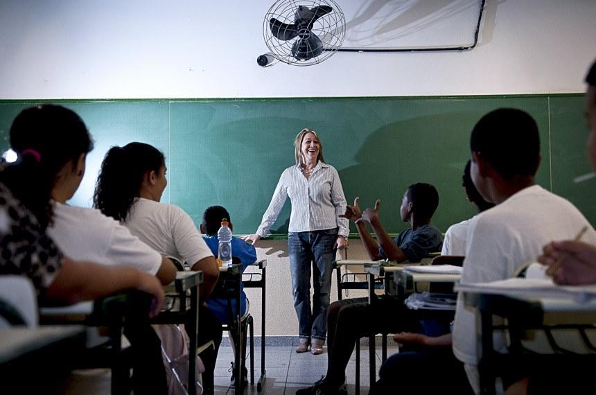 A professora Deyse da Silva Sobrino dá aula na Escola Municipal de Ensino Fundamental José Bonifácio, na zona leste de São Paulo