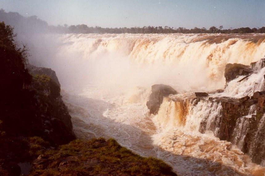Salto de Sete Quedas ficou submerso a partir de 1982, com a construção da hidrelétrica de Itaipu