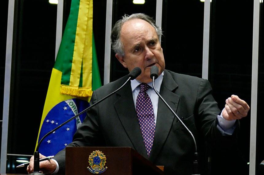 Plenário do Senado durante sessão não deliberativa.  Em discurso, senador Cristovam Buarque (PPS-DF).  Foto: Roque de Sá/Agência Senado