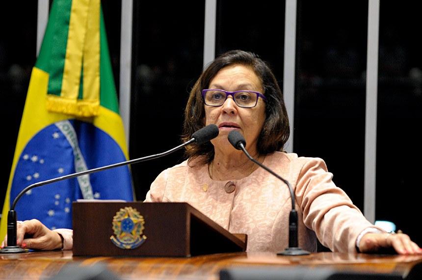 Uma das 26 mulheres que participaram da Assembleia Nacional Constituinte, a senadora Lídice da Mata (PSB-BA) destacou o papel histórico de Ulysses Guimarães