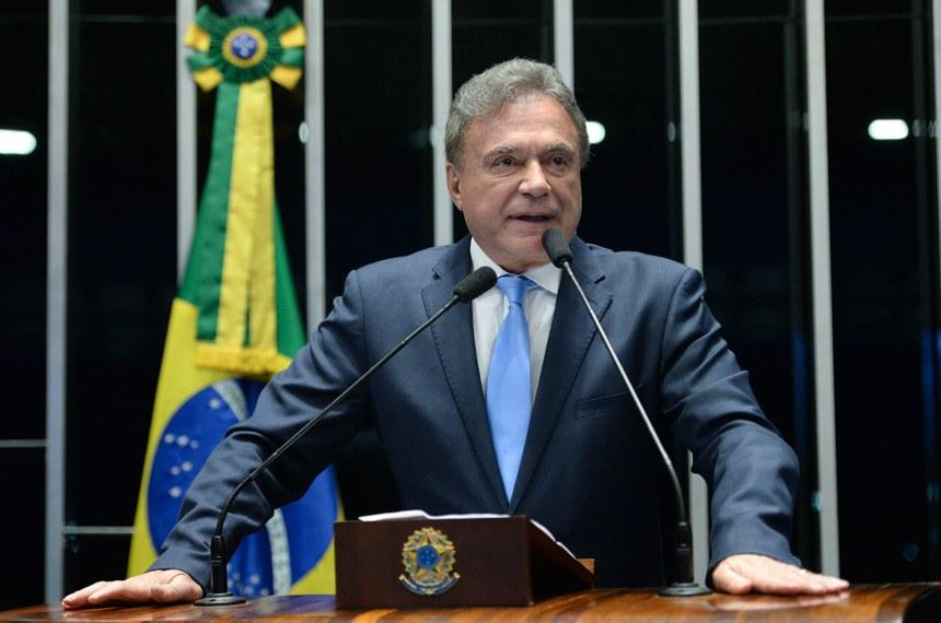 Plenário do Senado durante sessão não deliberativa.  Em discurso, senador Alvaro Dias (PV-PR).   Foto: Jefferson Rudy/Agência Senado