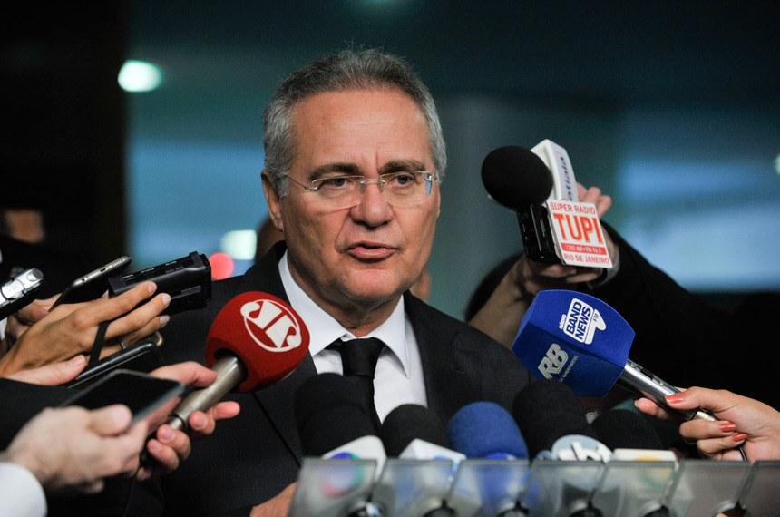 Presidente do Senado, senador Renan Calheiros (PMDB-AL), concede entrevista.  Foto: Jane de Araújo/Agência Senado