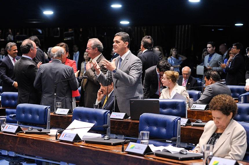 Plenário do Senado Federal durante sessão deliberativa extraordinária.  Em pronunciamento, senador Ricardo Ferraço (PMDB-ES).  Foto: Waldemir Barreto/Agência Senado