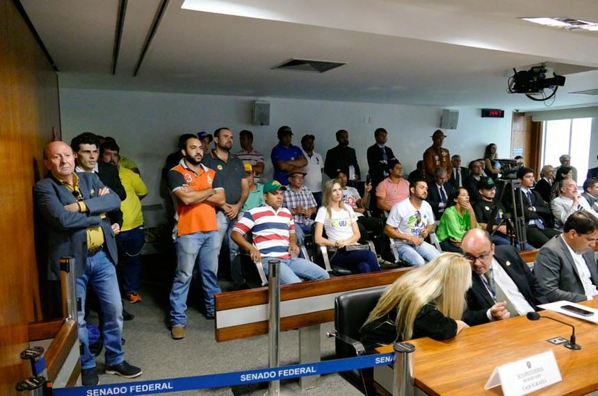 A Comissão de Constituição, Justiça e Cidadania (CCJ) realiza audiência interativa para debate da PEC 50/2016, que permite a realização das manifestações culturais registradas como patrimônio cultural brasileiro que não atentem contra o bem-estar animal.  Foto: Roque de Sá/Agência Senado